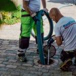 Grundig rengøring af din kloak med professionelt udstyr